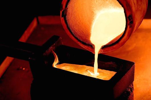 一吨矿石中含有多少黄金-「金矿粉多少钱一吨」