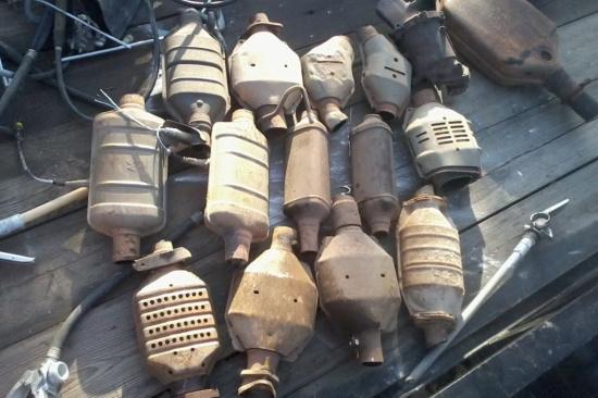 三元催化器含多少金子-「回收废旧三元催化厂家」