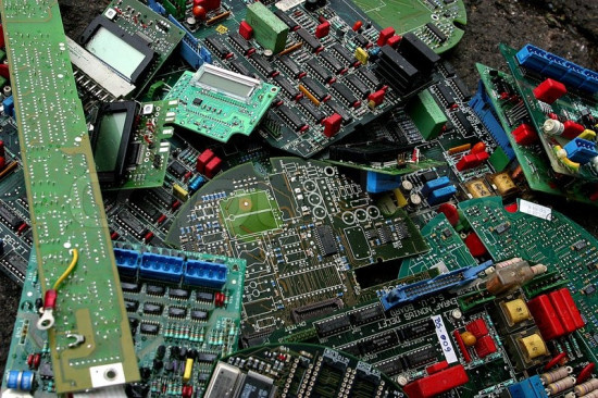 废旧电子产品回收-「国内电子废料回收」