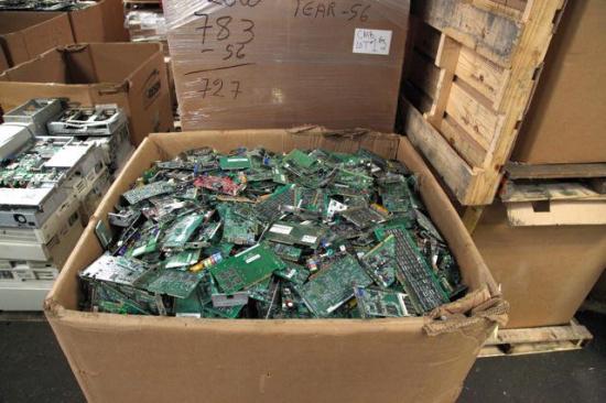 分享电子废品回收价格表-「回收电子废品大厂」
