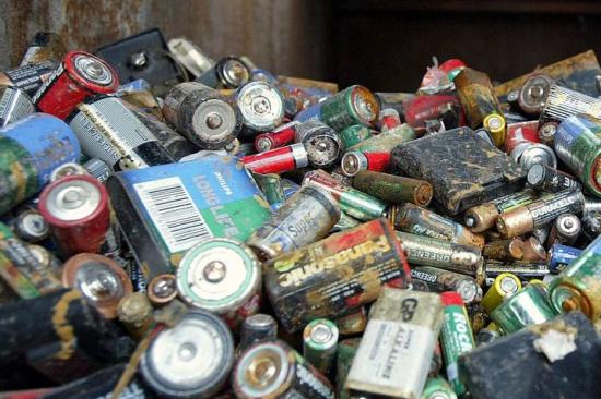 电池回收后如何处理的-「钮扣电池回收商」
