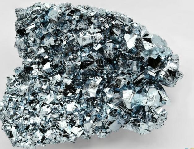 谁知道从方铅矿中提炼回收白银的安全方法?