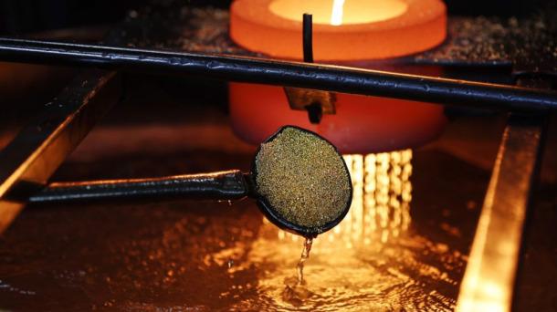 如何从废料中提取黄金-「镀金回收化学精炼金」