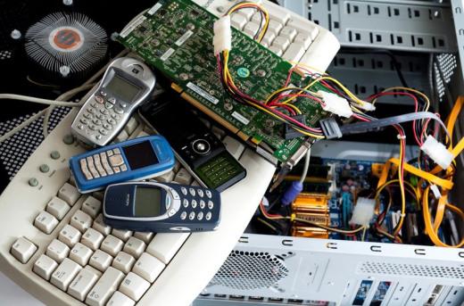 废电路板多少钱一斤了-「回收电路板100元一斤」
