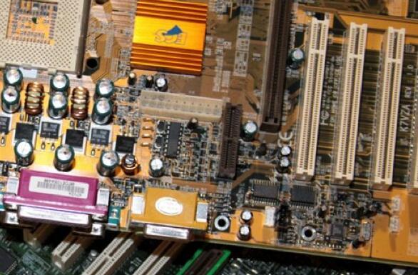 电路板回收多少钱一斤吗-「电路板100元一斤阿」