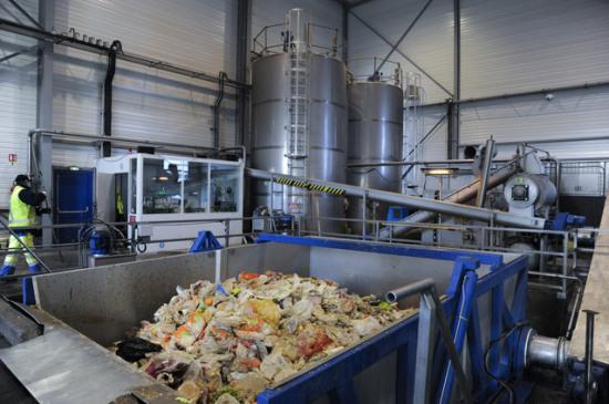 工厂废料都卖给谁-「工厂废料回收处理」