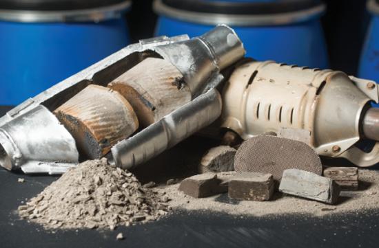 三元催化粉末多少钱一斤-「废三元催化多少钱一斤」